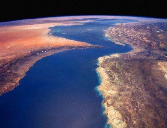 دو جزیره هرمزگان با زلزله های 4.9 و 3.6 لرزید، ثبت زمین لرزه ای با بزرگای 4.4 در سمنان