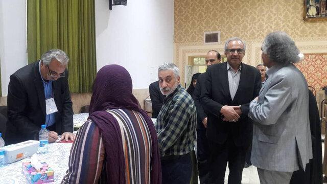 بازدید رییس ستاد انتخابات استان کرمان از شعبه فرعی رای گیری برای اقلیت های مذهبی