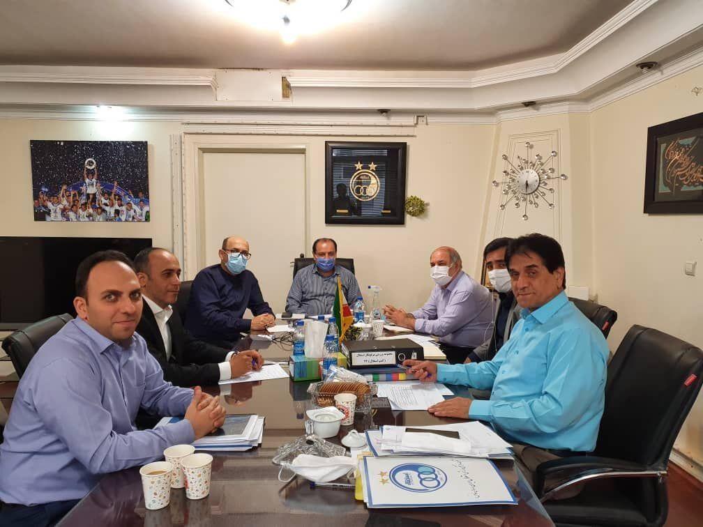 خبرنگاران نشست خصوصی سازی استقلال برگزار گردید