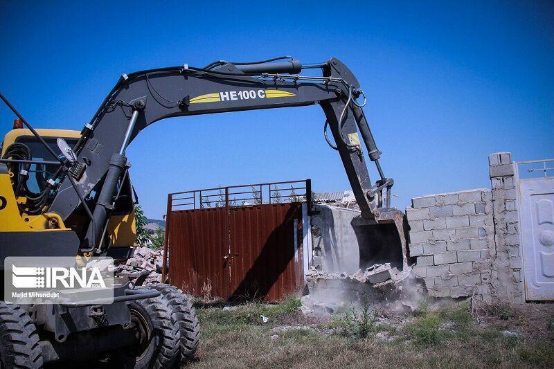 خبرنگاران تخریب 17 مورد ساخت و ساز غیرمجاز در الیگودرز