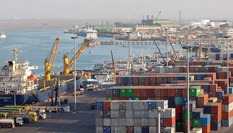 خبرنگاران کشتی 20 هزارتنی حامل خاک فسفات در بندربوشهر پهلو گرفت