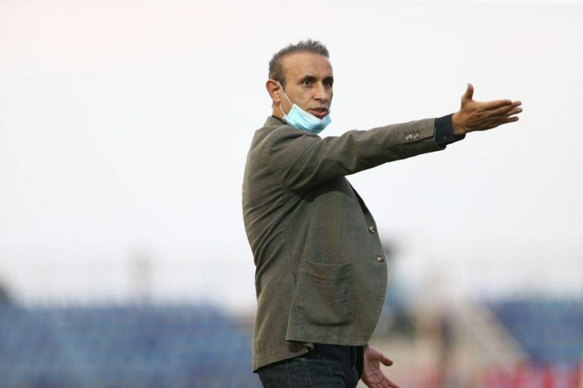 گل محمدی: فولاد و نساجی را شکست دهیم قهرمان می شویم ، صحبتی از استعفا نکردم